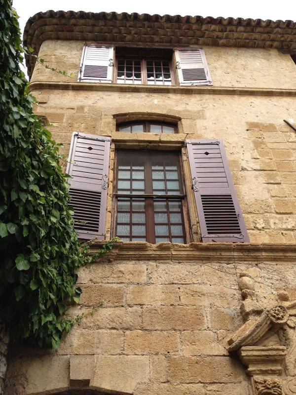 La Colombe Legendary Restaurant In Saint Paul De Vence France - Perfectly Provence