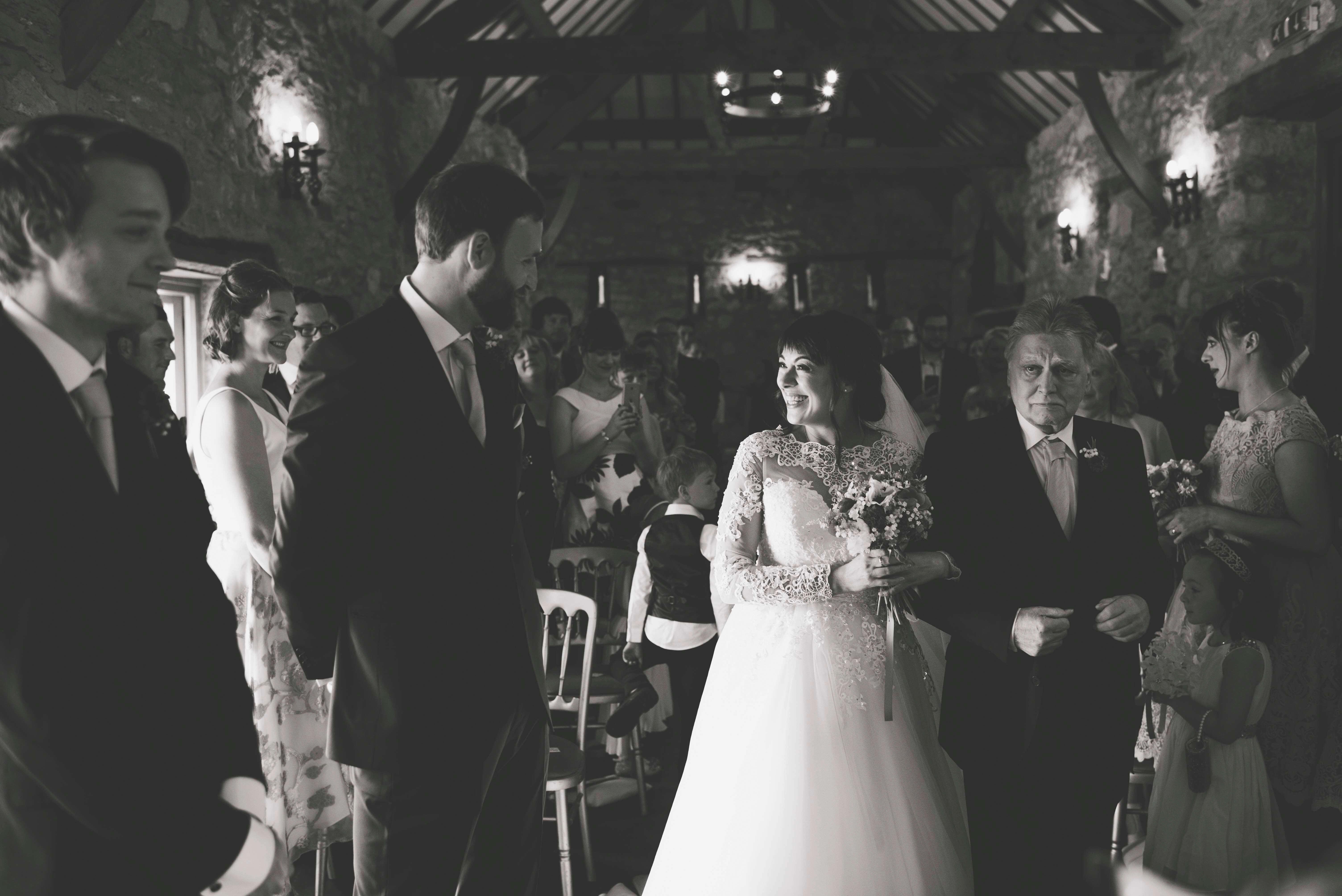 wedding plas isaf corwn