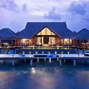 5 Breathtaking Honeymoon Destinations for 2016 | Part 3 | The Maldives