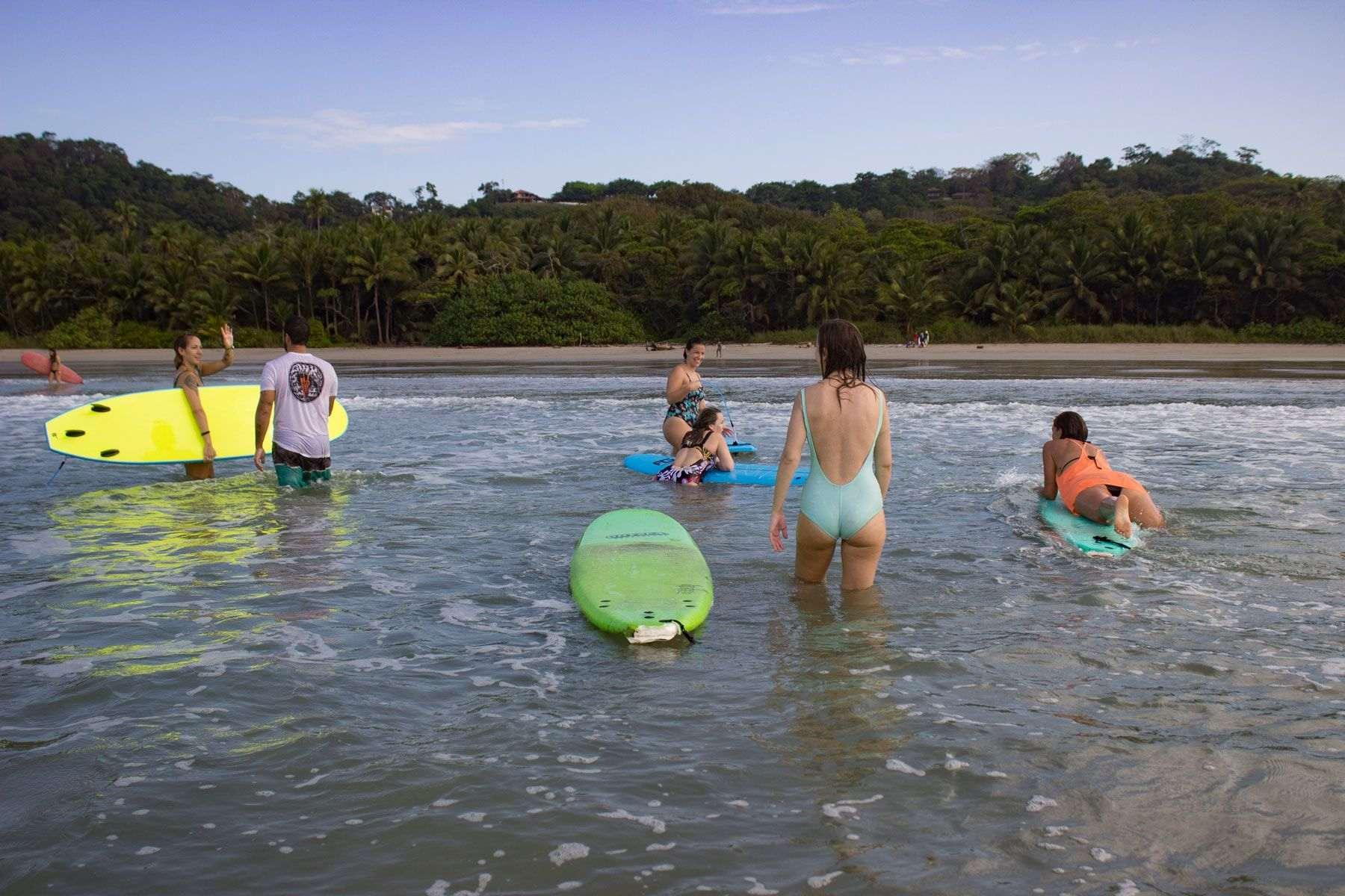 yoga-y-surf-en-costa-rica