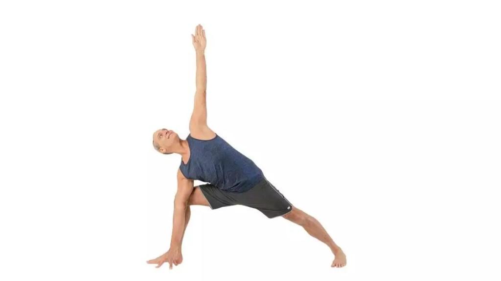 Yoga en la playa ... una excelente manera de perder peso