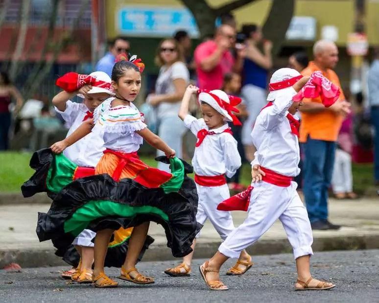 Por qué se habla español en Costa Rica