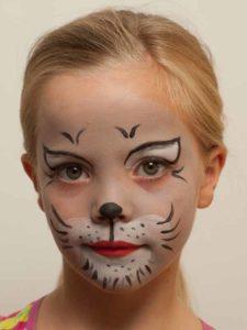 Wie Sich Süße Kätzchen Für Ihren Auftritt Vorbereiten