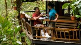 Kaffeepause im Baumhaus in Panamá