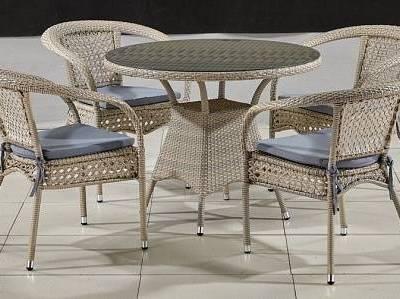 Стол и стулья из ротанга в Севастополе