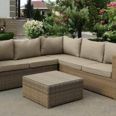 Угловой диван для сада