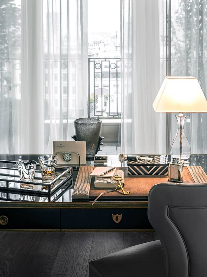 Gianfranco Ferré Home Completes Royal Suite - Perfetto Luxury Interiors 3