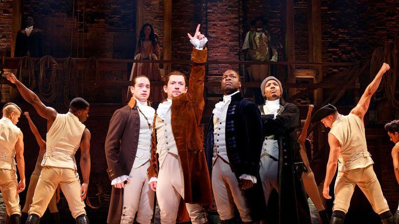 """Chicago's """"Hamilton"""" Announces Closing Date"""