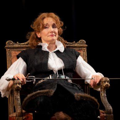 "Review | ""Bernhardt/Hamlet"" at Goodman Theatre"