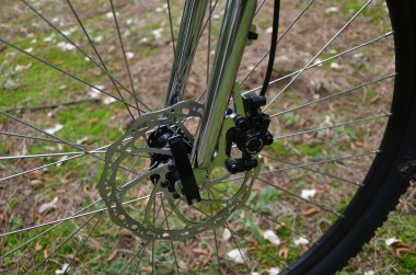 180/160 rotor combo offers ample stopping power
