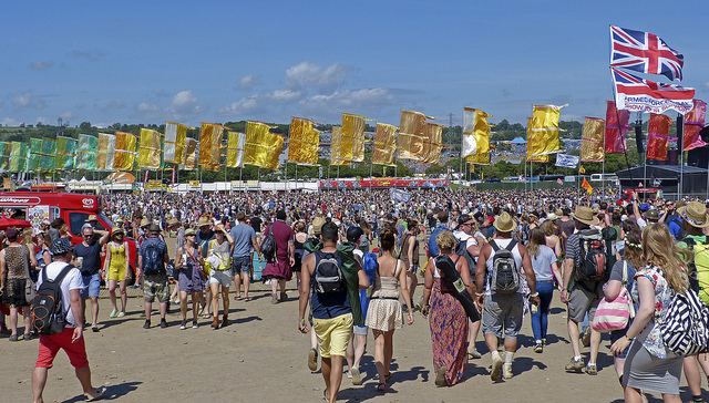 Performance Reviewed at Glastonbury: Wednesday and Thursday