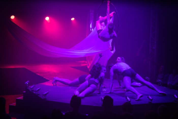 polly rae beneath the sheets underbelly festival 2017 troupe