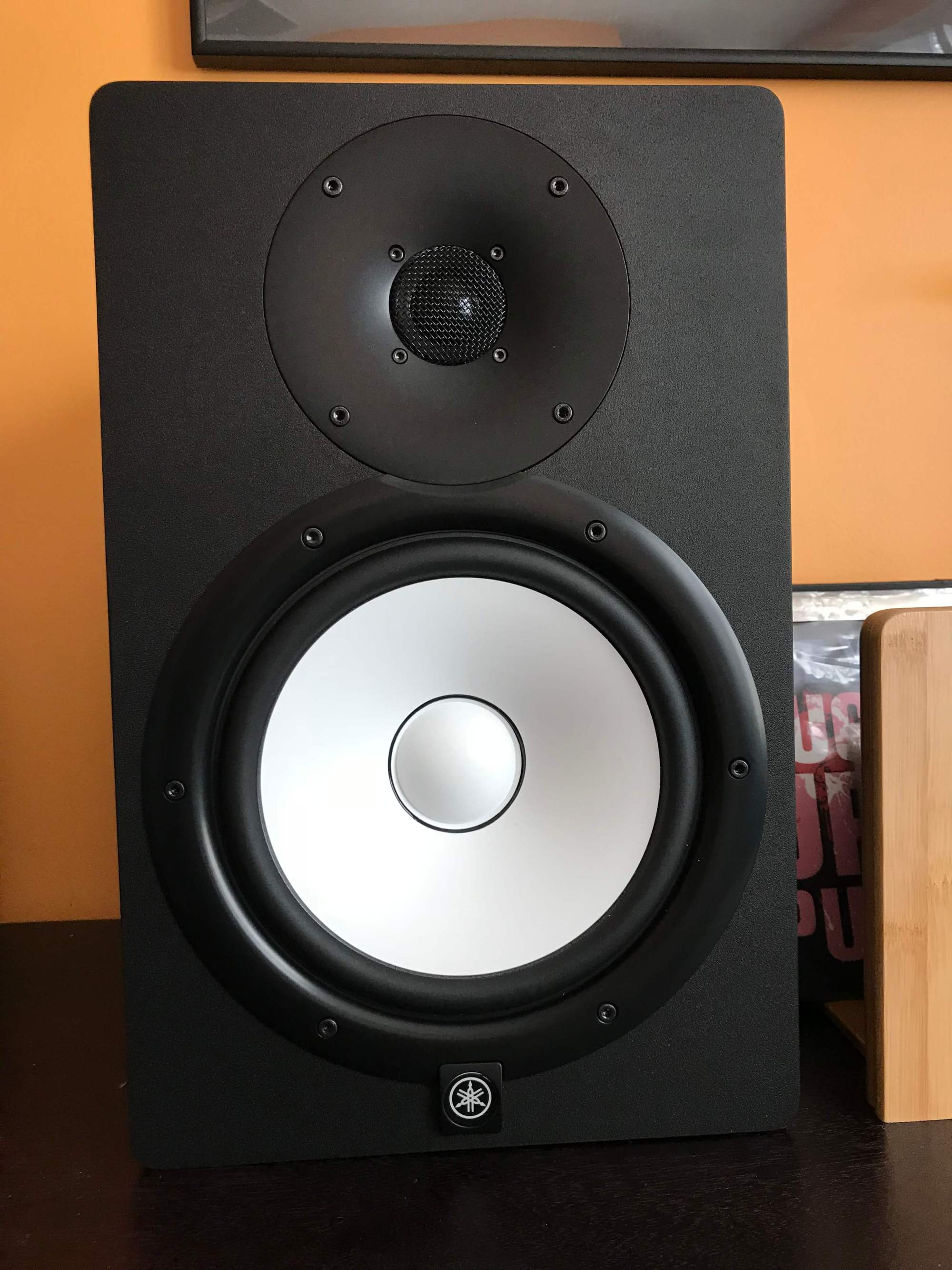 hight resolution of now most mere mortals can t technically hear above 20khz but many powered studio monitors are extended range meaning they are capable of reaching 30khz
