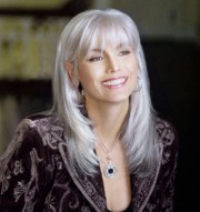 emmylou harris talks with performing