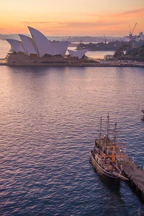 Levantium Penhaligon`s opera house Sydney PattyJansen Pixabay
