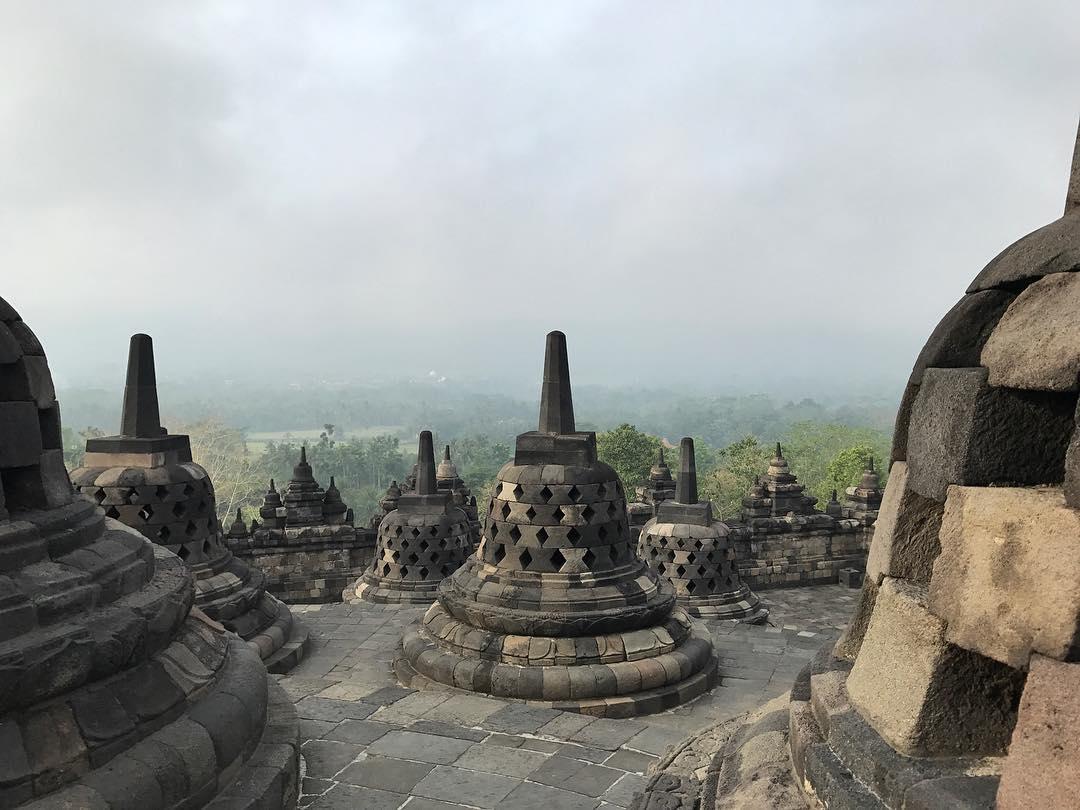 Borobudur adalah candi buddha terbesar di Indonesia via @lucas_in_china