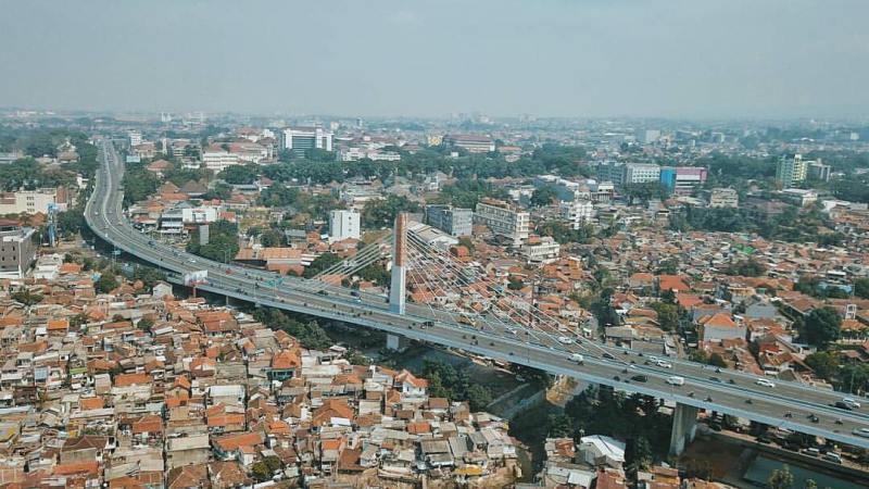 Kota Bandung adalah salah satu kota besar di Indonesia yang padat penduduk via @daviiiid2