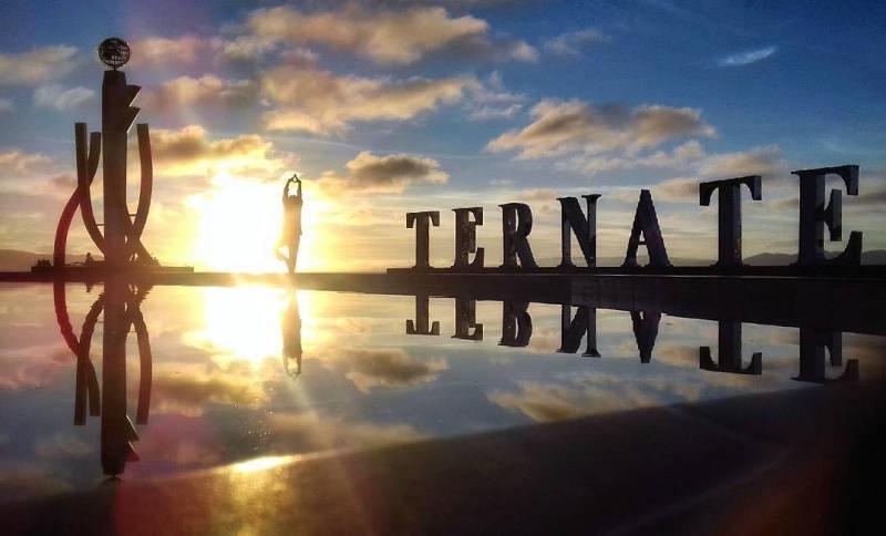 Pantai Falajawa Ternate via @rachmat.avian