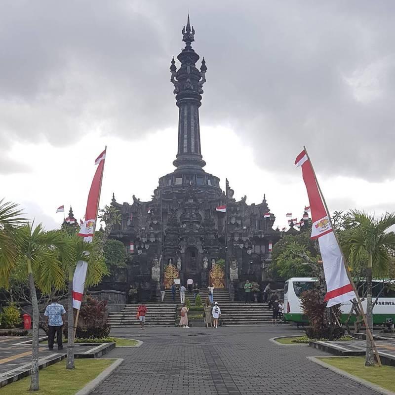 Monumen puputan Badung, Denpasar via @karn12131