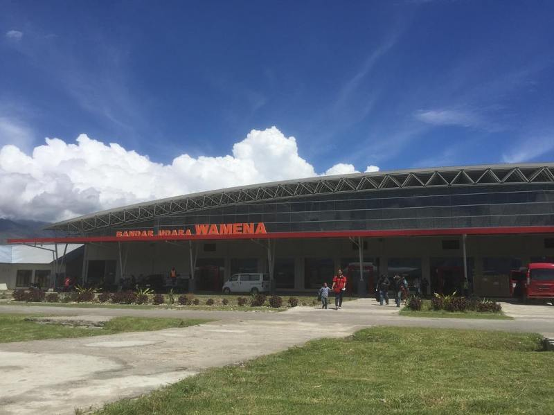Bandar udara Wamena by IG @oemarbobo