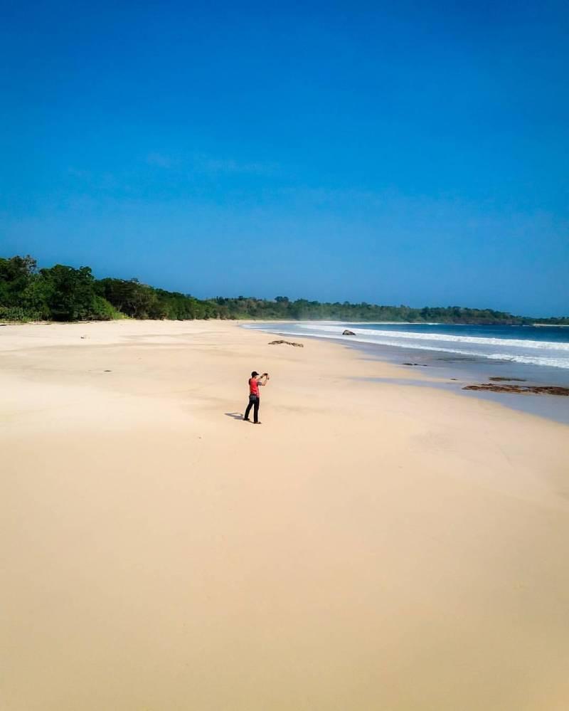 Sudah pernah pergi ke Pantai Ombak Tujuh Sukabumi via @yusup.kurnia