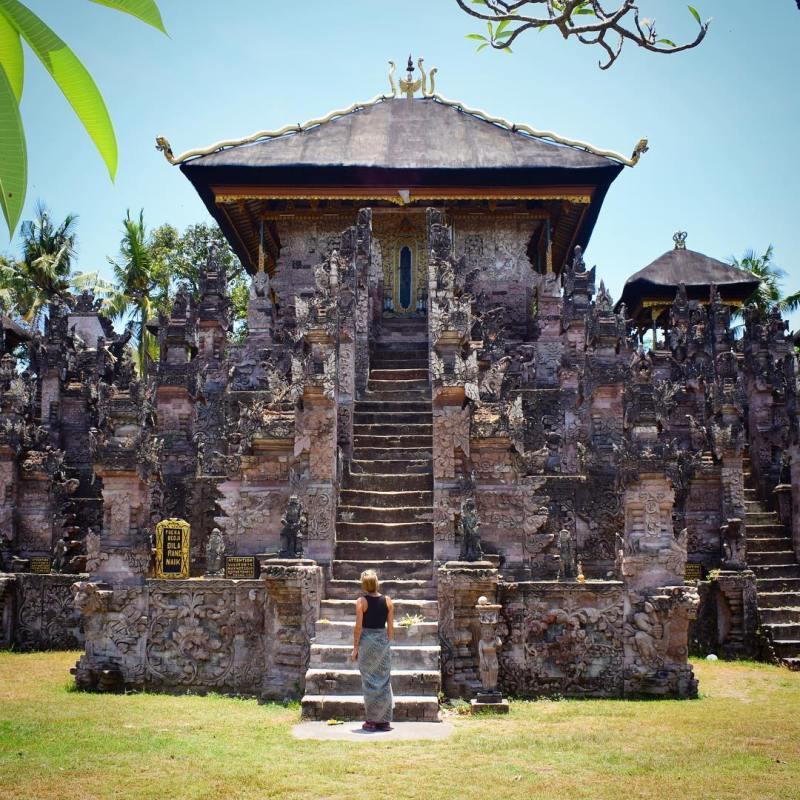 Pura Beji yang menjadi tujuan wisata favorit turis lokal dan mancanegara di Sawan via @lucy_you