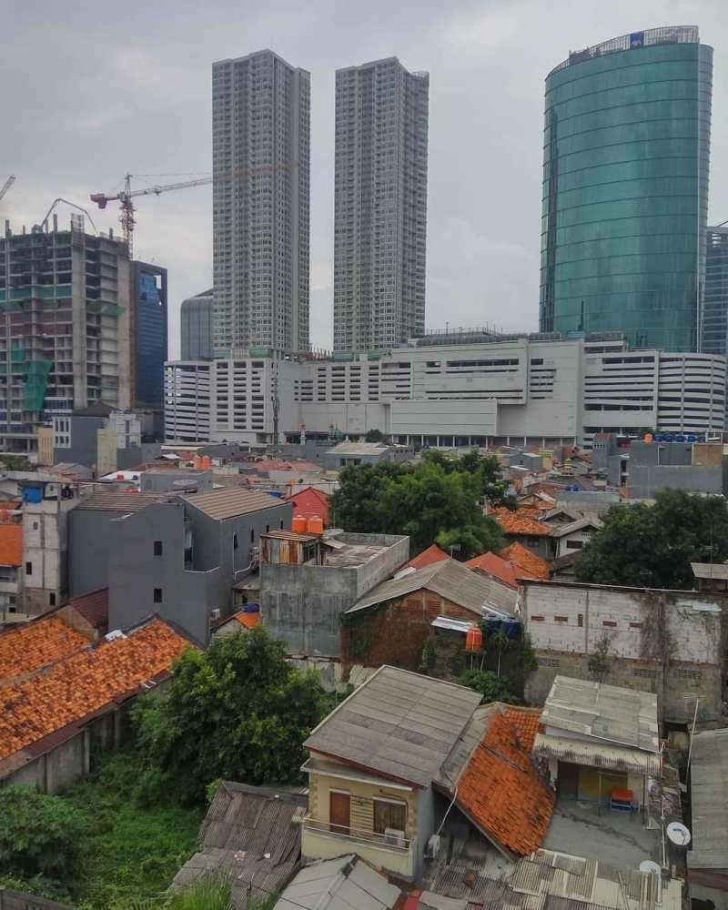 Gedung tinggi memenuhi tempat ini via @fahmi_tibyan