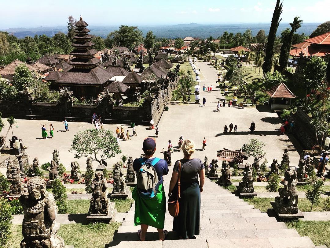 Pura Besakih adalah salah satu tujuan liburan di Rendang, Bali! via @meikle.emslie