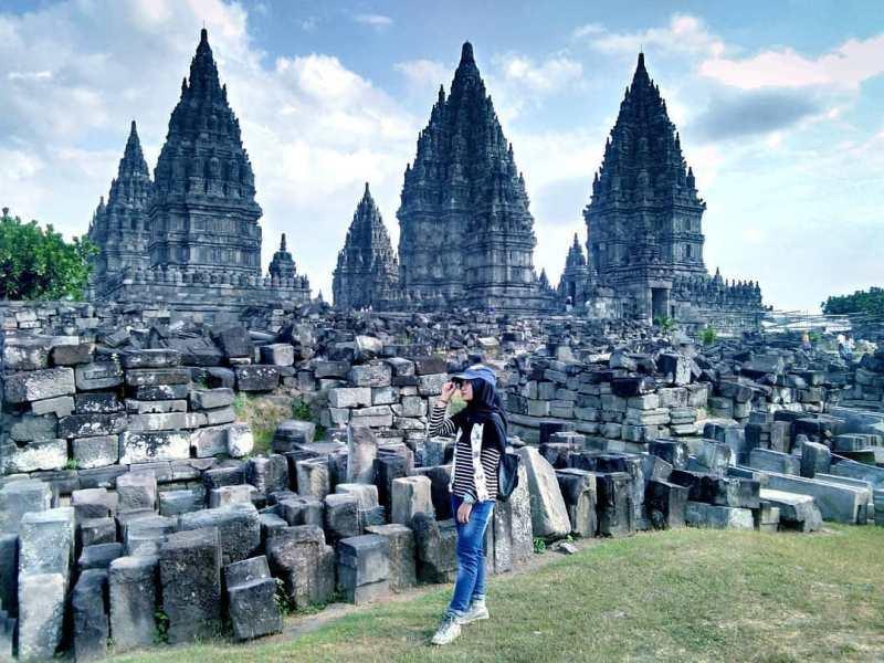 Ada banyak tempat wisata candi lain dekat Candi Prambanan. via @indonesia_beautifully