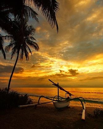 Senja indah di Karang Bolong Anyer - Jawa Barat. via @herusurvivalphotography