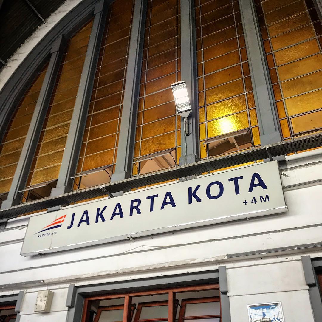 Jadwal KRL Commuter Line Cikarang - Jakarta Kota PP! via @cajuboy1