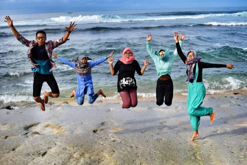 Pantai Ngandol Malang Selatan, Rute Peta Lokasi, Harga Tiket Masuk!