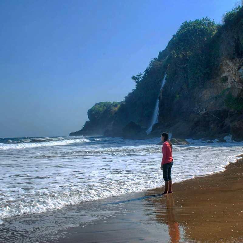 Daftar Tempat Wisata Pantai Di Blitar Jawa Timur Lengkap Pantai Umbul Waru Blitar