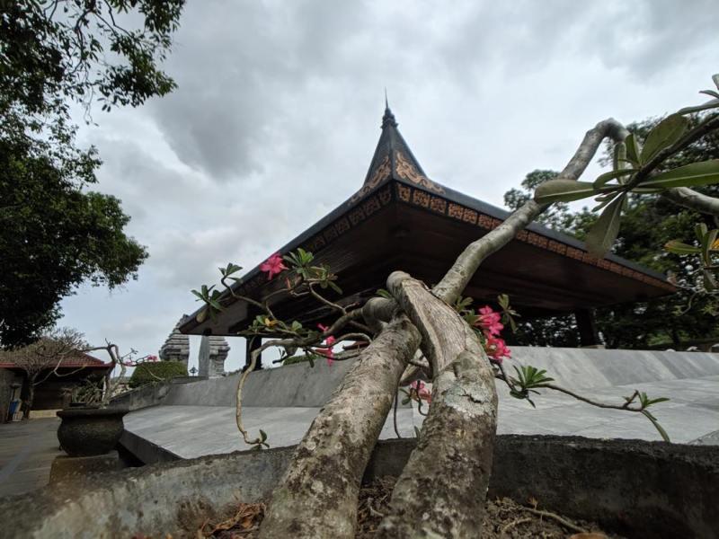 Daftar Tempat Wisata Di Blitar Jawa Timur Lengkap, Makam Bungkarno Blitar