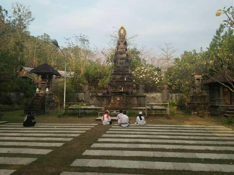 Daftar Tempat Wisata Di Kediri Jawa Timur Lengkap - Pura Penataran Agung Kilisuci