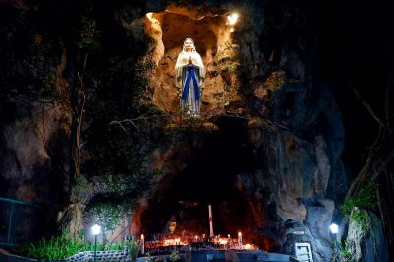 Daftar Tempat Wisata Di Kediri Jawa Timur Lengkap - Gua Maria Pohsarang