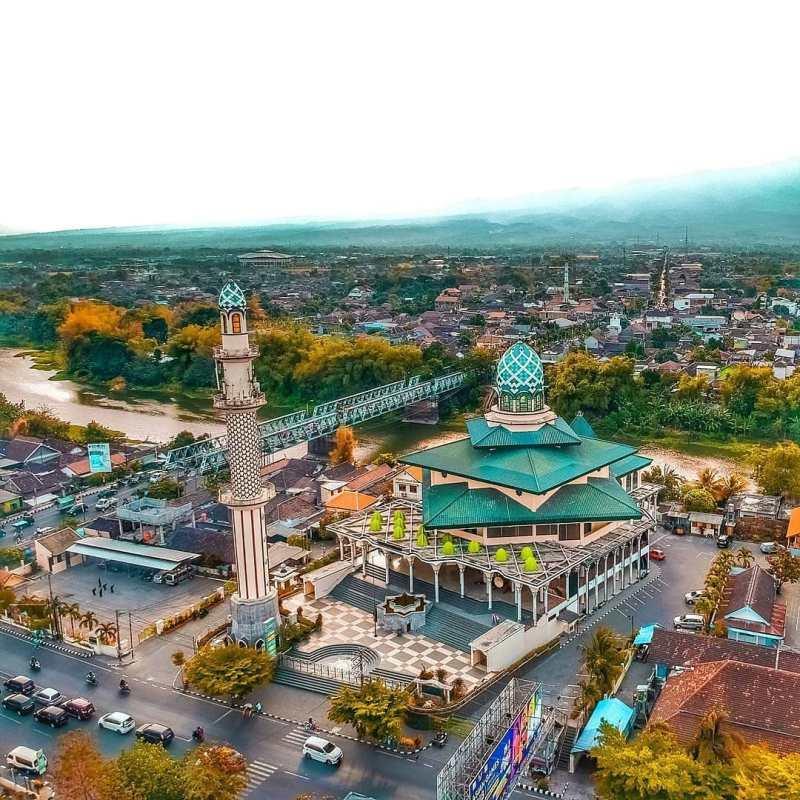 Daftar Tempat Wisata Di Kediri Jawa Timur Lengkap - Masjid Agung Kota Kediri