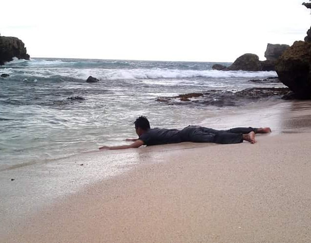 Daftar Tempat Wisata Pantai Di Blitar Jawa Timur Lengkap Pantai Wedi Ireng Blitar