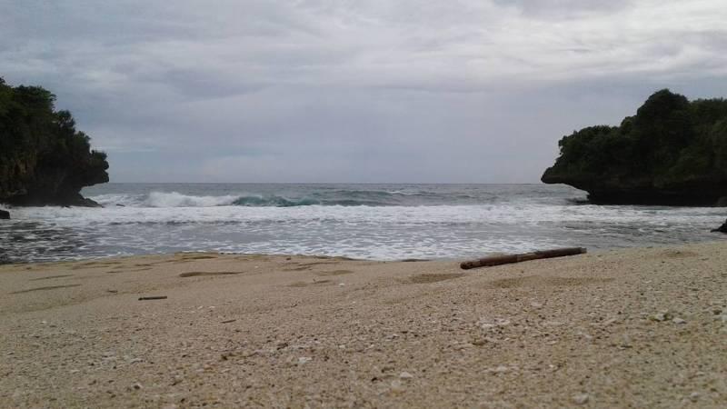 Daftar Tempat Wisata Pantai Di Blitar Jawa Timur Lengkap Pantai Ngablak Blitar
