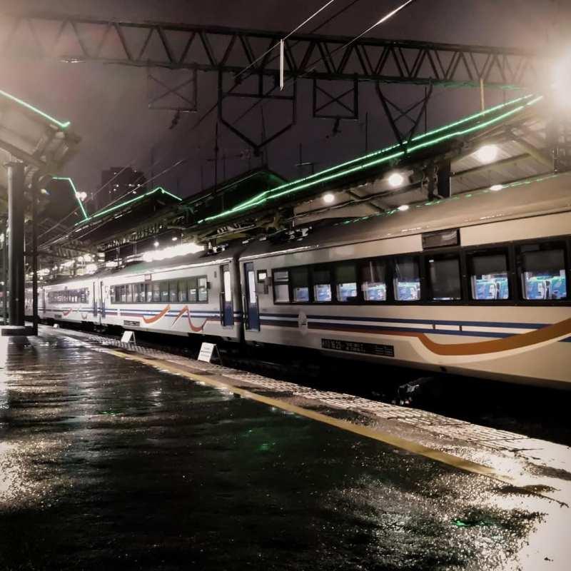 Stasiun Gambir Jakarta - Stasiun Di Indonesia