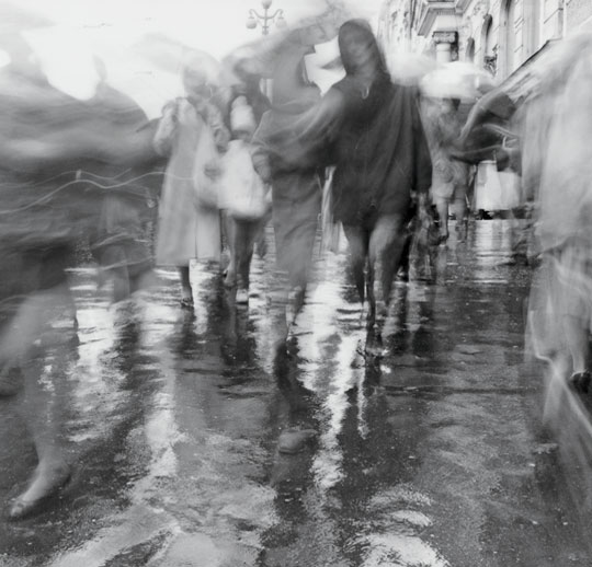 perierga.gr - Η πόλη γέμισε... σκιές και φαντάσματα!