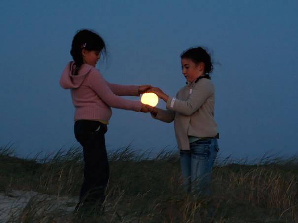 perierga.gr - Παιχνίδια με το φεγγάρι!
