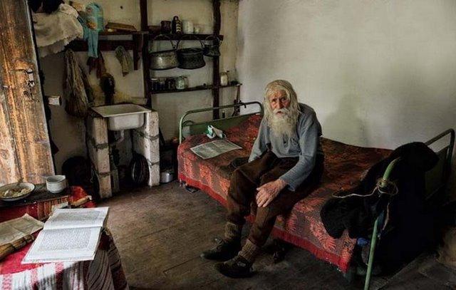 perierga.gr - Η συγκινητική ιστορία ενός φτωχού και σπουδαίου ανθρώπου!