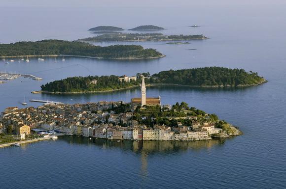 diaforetiko.gr : beauxvillage13 Ευρωπαϊκά χωριά που εκπλήσσουν με την ομορφιά τους!