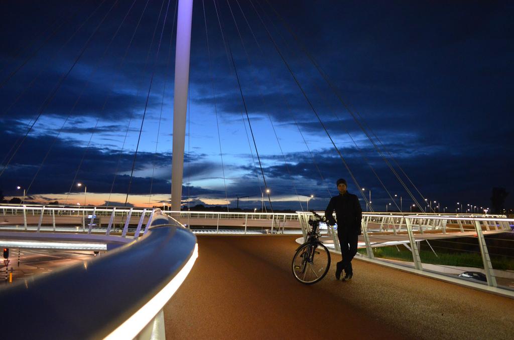 perierga.gr - Στρογγυλός ποδηλατόδρομος κερδίζει τις εντυπώσεις!