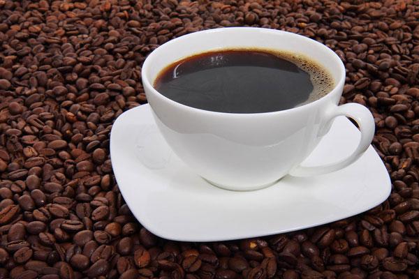 perierga.gr - Ο καφές είναι πιο γευστικός σε... λευκό φλιτζάνι!