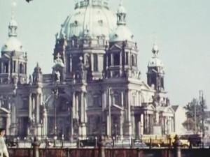 perierga.gr - Το Βερολίνο του Χίτλερ σε ένα σπάνιο έγχρωμο βίντεο από το 1935!
