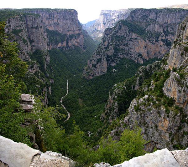 perierga.gr - Το βαθύτερο φαράγγι του κόσμου είναι ελληνικό!