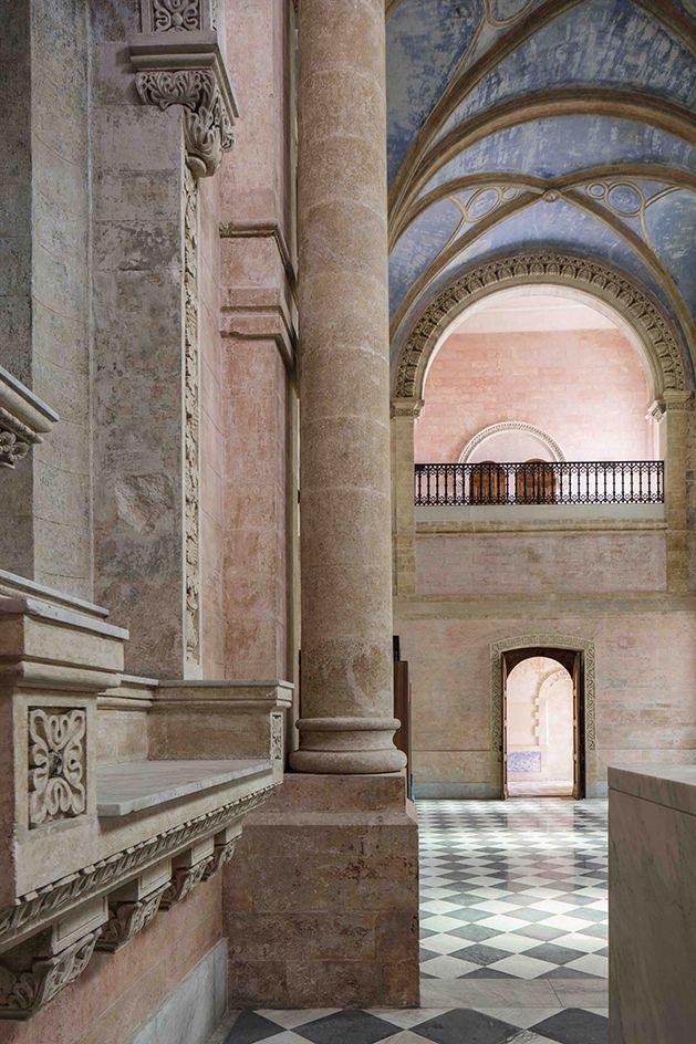 Perierga.gr - Πρώην μοναστήρι μετατράπηκε σε σύγχρονο ξενοδοχείο στο Τελ Αβίβ
