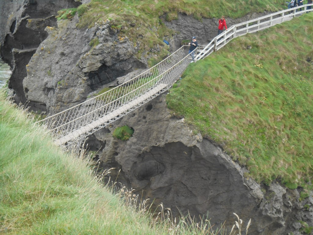 carrick-a-rede-island-northern-ireland-antrim-county-geology-travel-magic-planet-rope-bridge-history